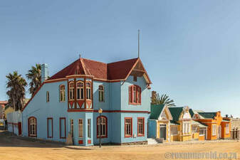 Luderitz things to do: see old buildings