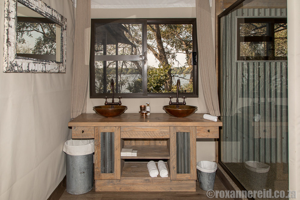 Bathroom, Old Drift Lodge