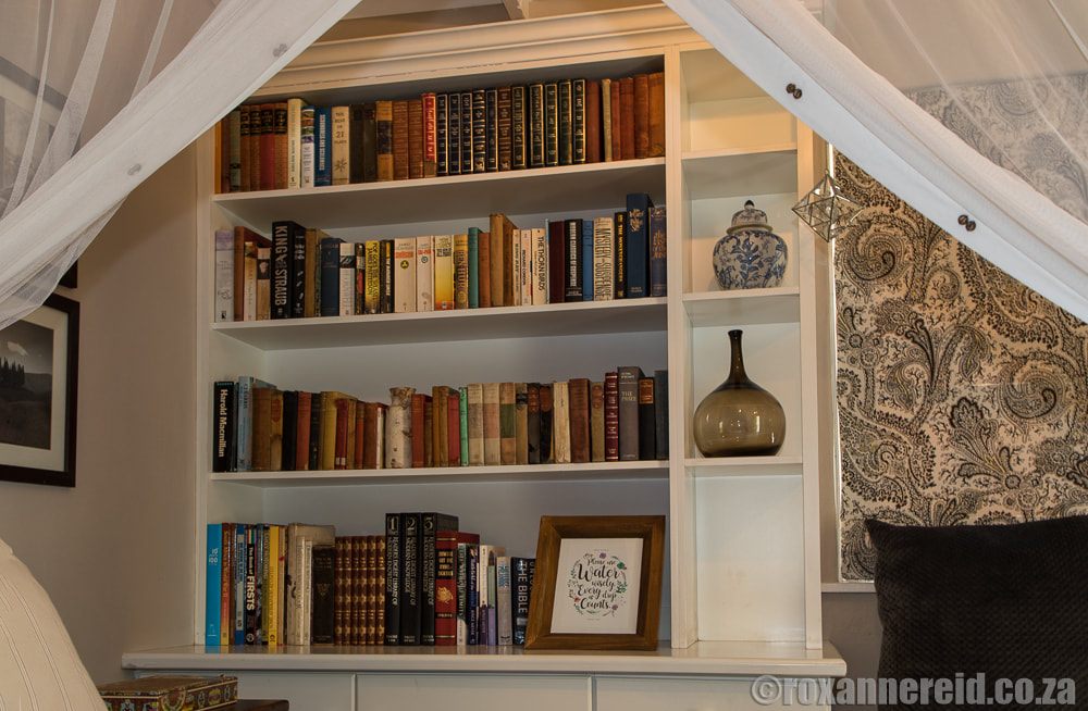 Bookcase, The Earthy Inn, Greyton, Overberg