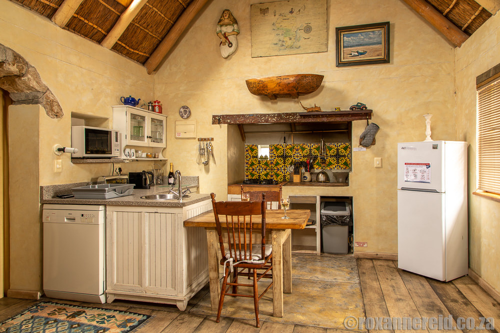 Paternoster holiday homes: Azzuro's kitchen